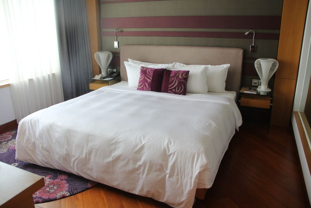 Grand Mercure Danang Suite Bedroom