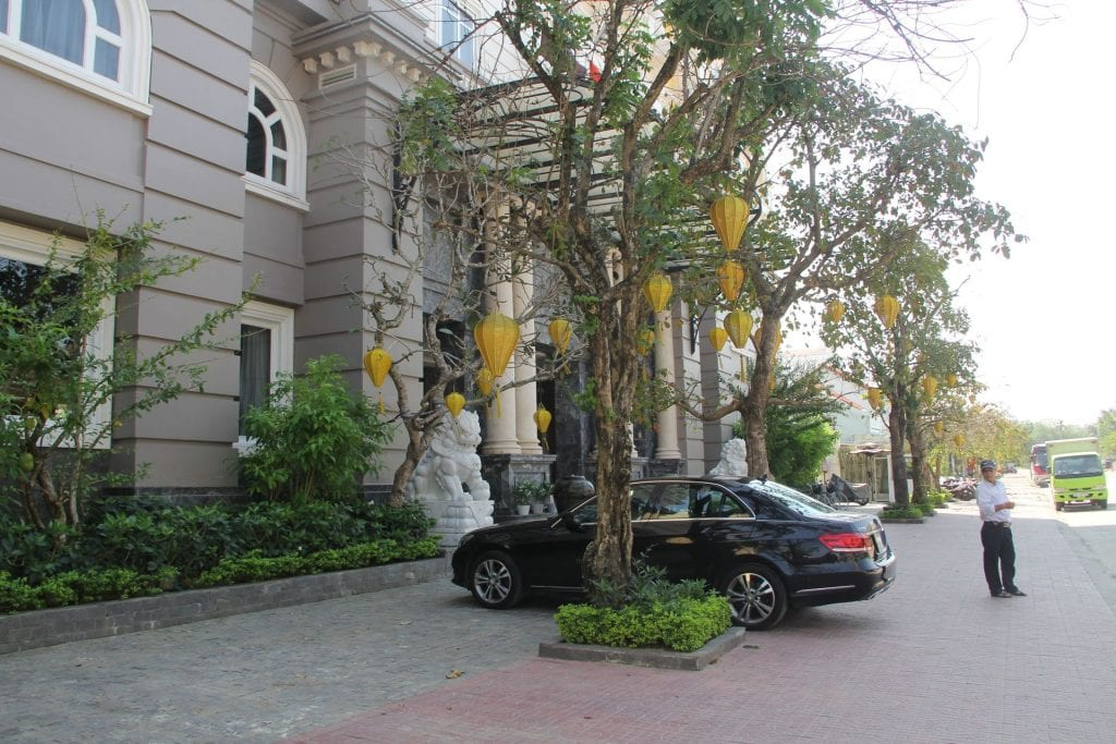 Hotel Royal Hoi An Exterior 2
