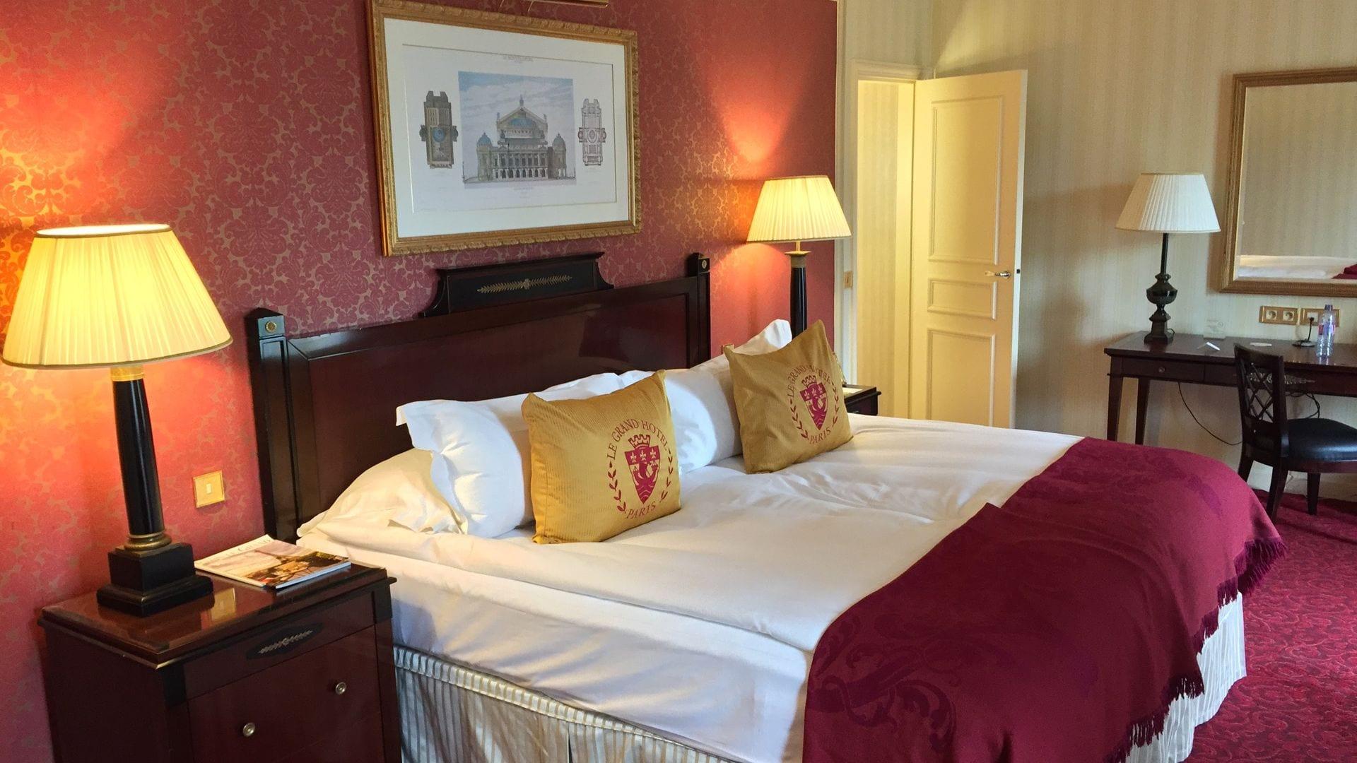 Review intercontinental paris le grand das hotel im test for Was ist ein superior zimmer