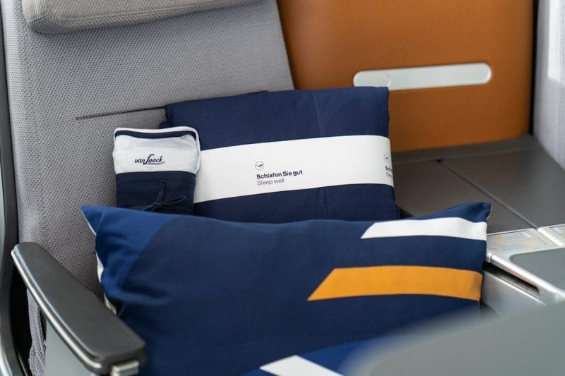 New Lufthansa Bedding