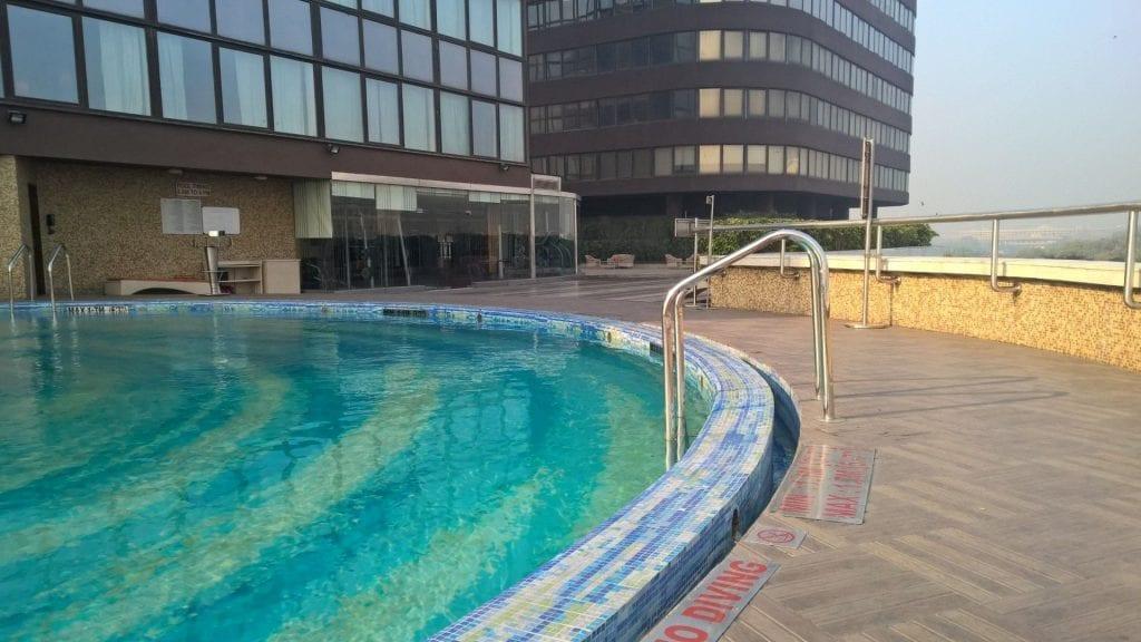 Pool Le Méridien New Delhi 4