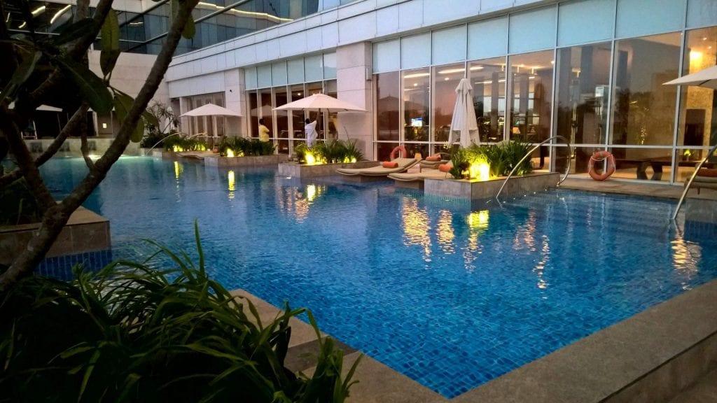 Pool Shangri La Bengaluru 3