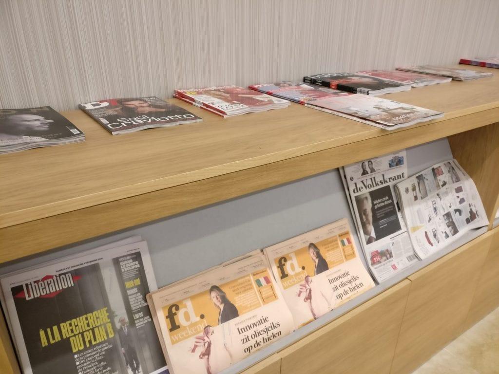 Puerta del Sol Lounge Madrid Magazines