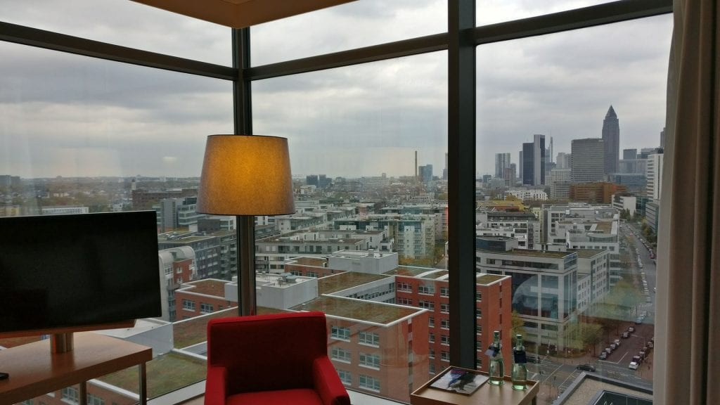 Radisson Blu Frankfurt Zimmer Aussicht Skyline