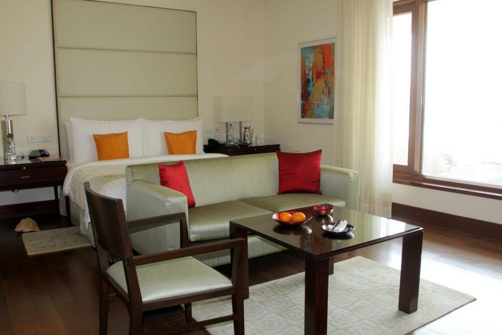 Room Oberoi Mumbai 2