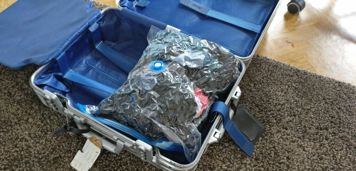 Travando Vakuumbeutel Koffer komprimiert Wäsche Beispiel