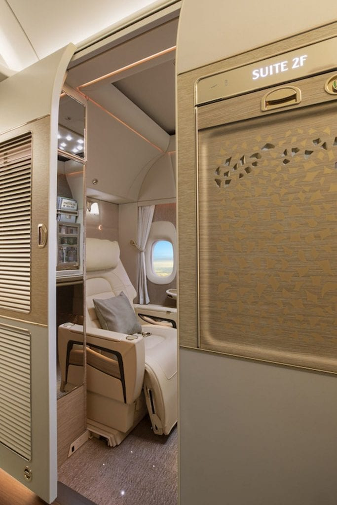 emirates neue First Class fully enclosed private suites