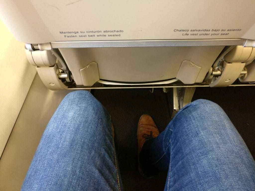 Avianca Economy Class Airbus A320 Seat Pitch