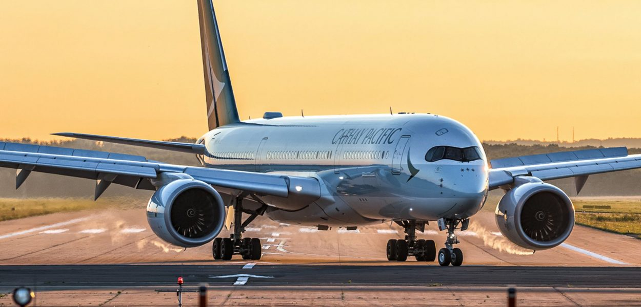 Cathay Pacific Airbus A350 Flugzeug Sonnenaufgang Sunrise