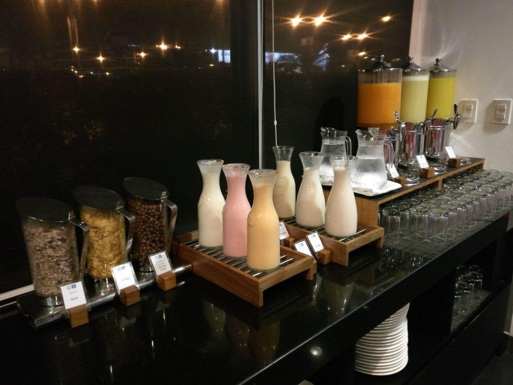 Costa del Sol Wyndham Lima Airport Breakfast