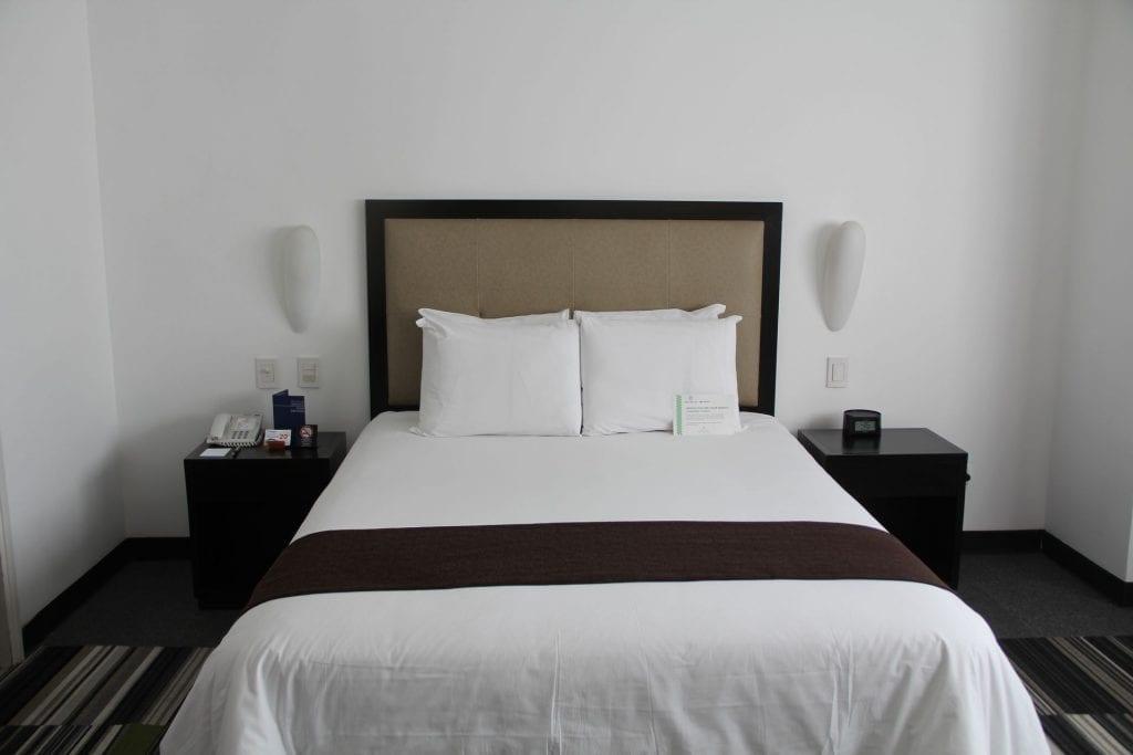 Costa del Sol Wyndham Lima Airport Queen Room 3