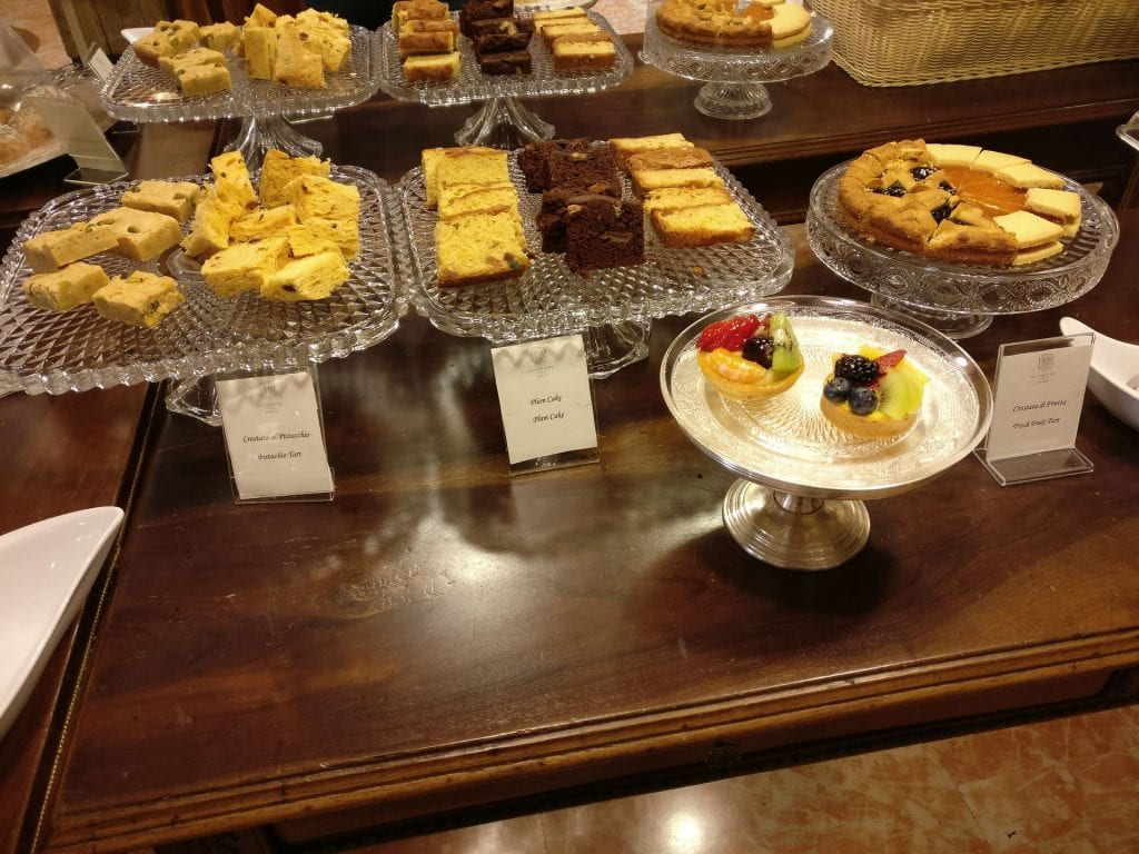Due Torri Hotel Verona Breakfast 10