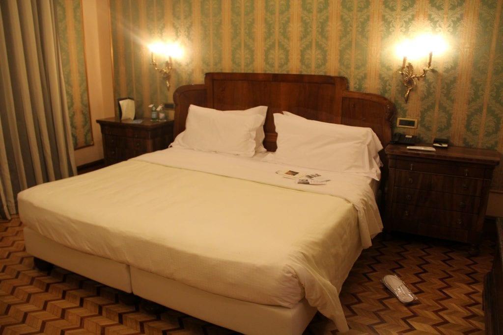 Due Torri Hotel Verona Deluxe Room 2