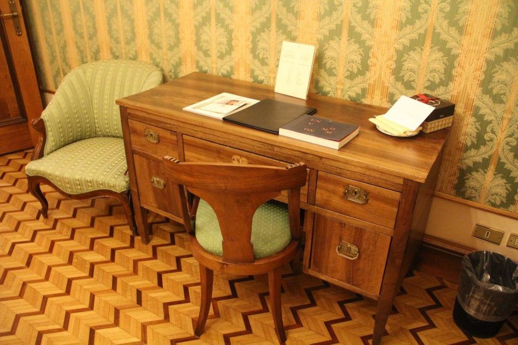 Due Torri Hotel Verona Deluxe Room 3