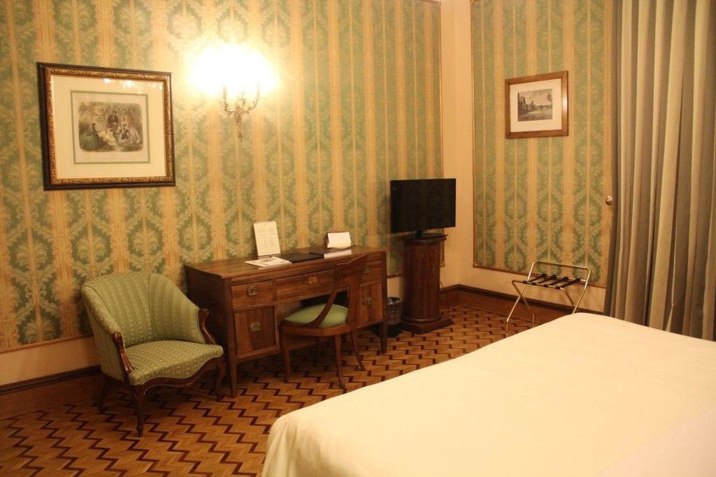 review due torri hotel verona historisch aber berteuert. Black Bedroom Furniture Sets. Home Design Ideas