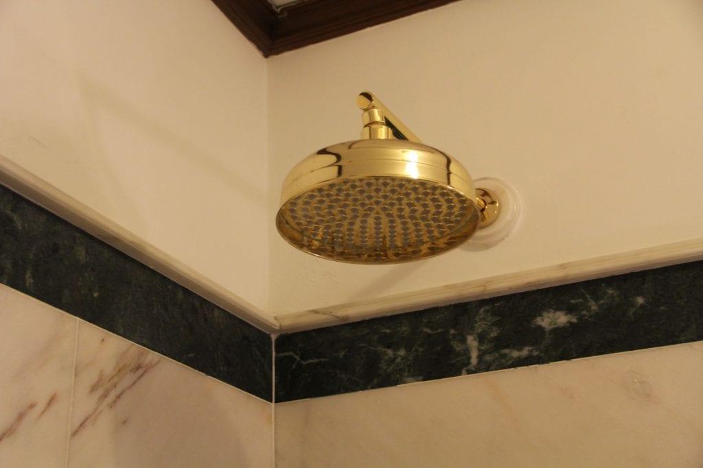 Due Torri Hotel Verona Deluxe Room Bathroom 5