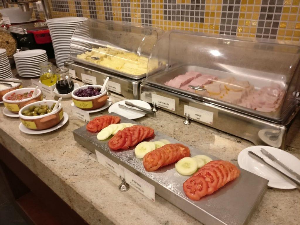 Hilton Garden Inn Cusco Breakfast 4