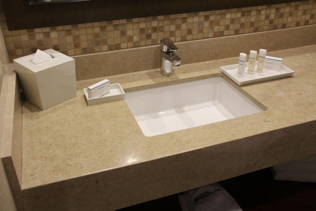Hilton Garden Inn Cusco Scenic View Room Bathroom 2