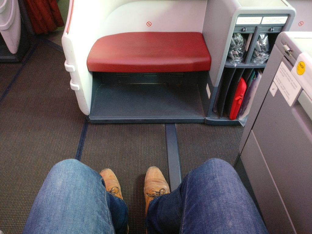 LATAM Business Class Boeing 787 Seat Pitch