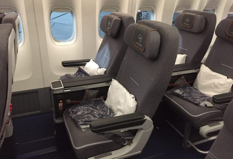 Lufthansa Premium Economy Class Boeing 747 Sitz (2)