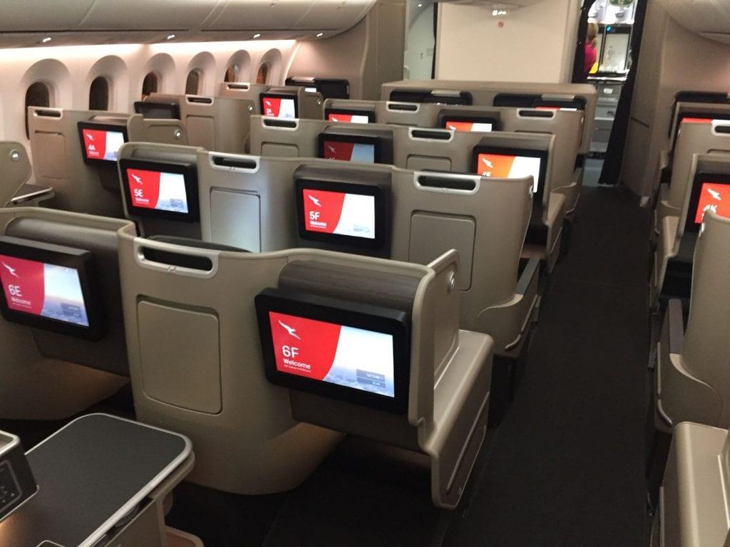 Qantas B7879 Business Class von hinten