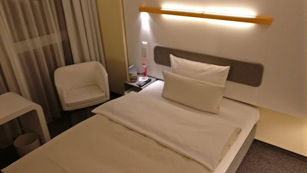 Tagungshotel Lufthansa Seeheim Zimmer Bett