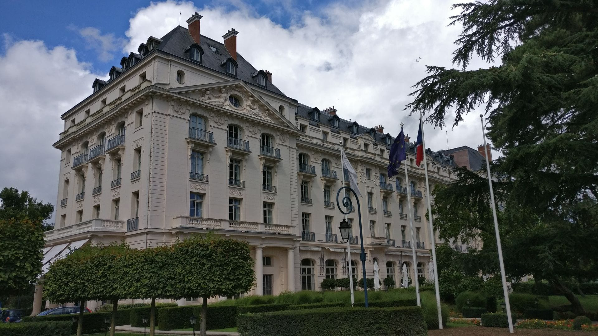 Review trianon palace versailles ein waldorf astoria hotel - Hotel trianon versailles ...
