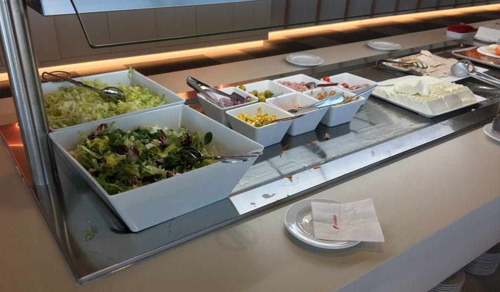 iberia lounge madrid buffet salat