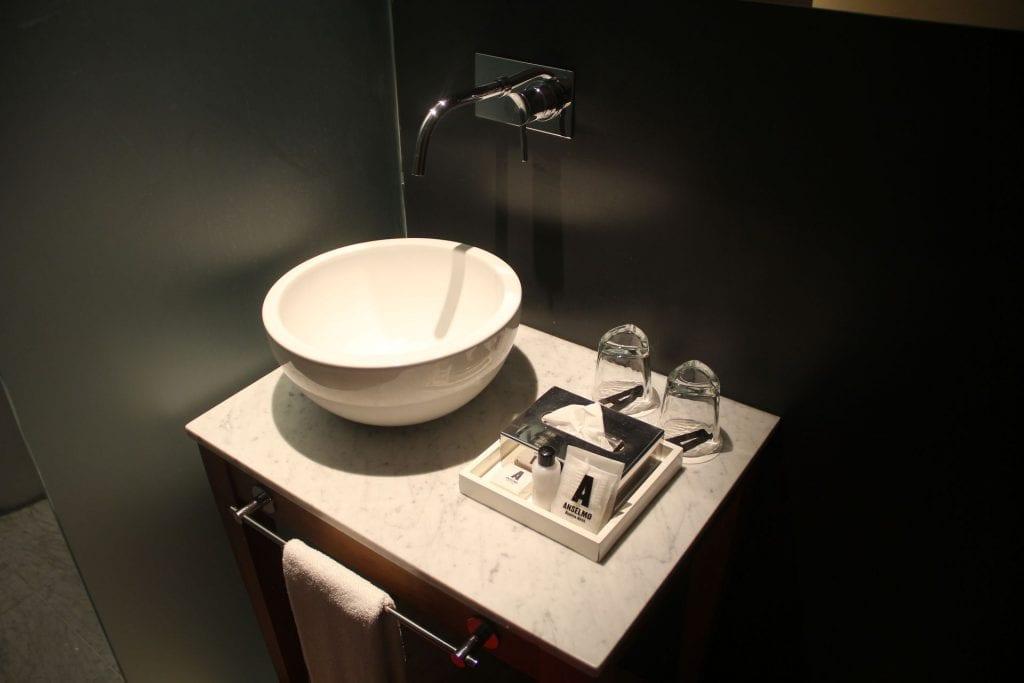 Anselmo Buenos Aires Standard Room Bathroom 2