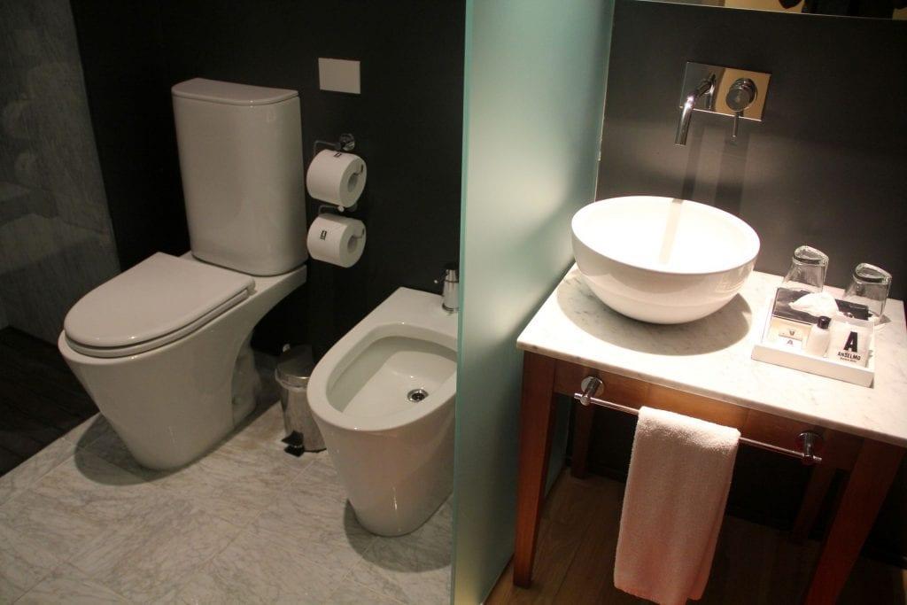 Anselmo Buenos Aires Standard Room Bathroom 4