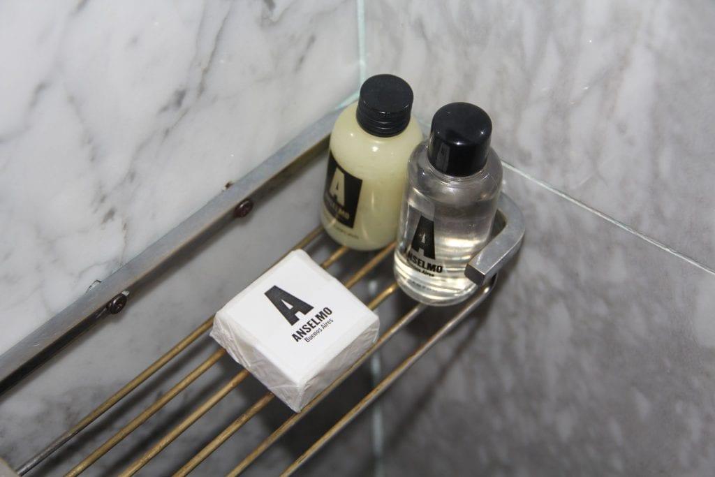 Anselmo Buenos Aires Standard Room Bathroom 6