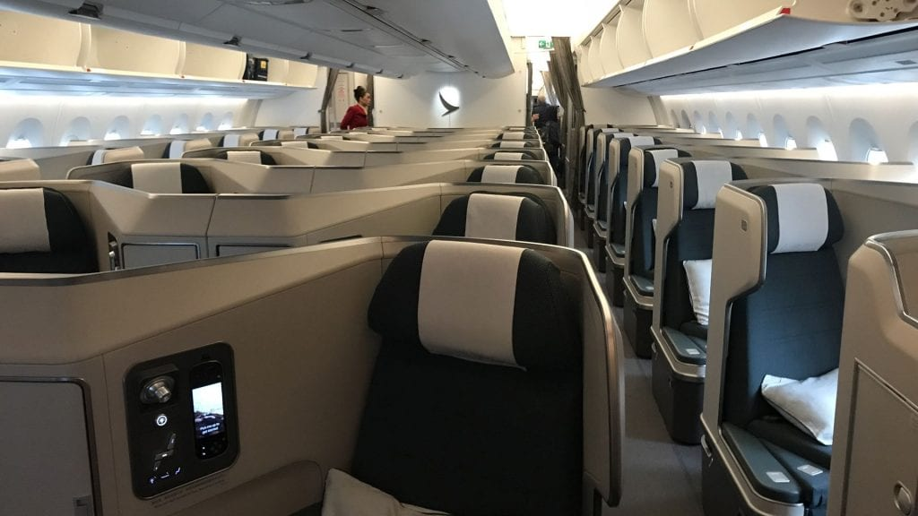 Cathay Pacific Business Class Airbus A350 Kabine 2