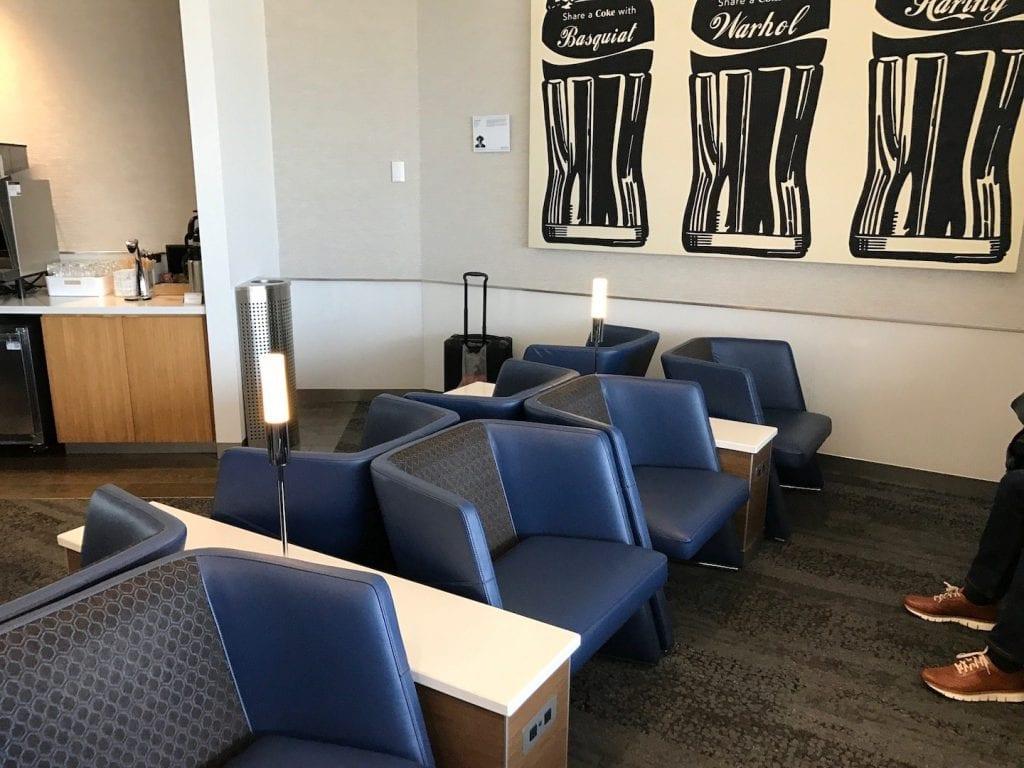 Delta Sky Club Atlanta B18 Sitzmöglichkeiten SkyMiles Lounge Zugang