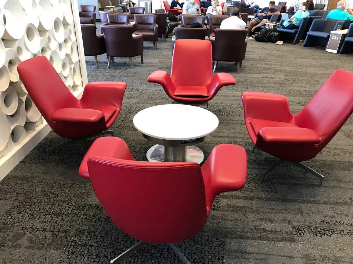 Delta Sky Club Atlanta B18 Sitzmöglichkeiten 2