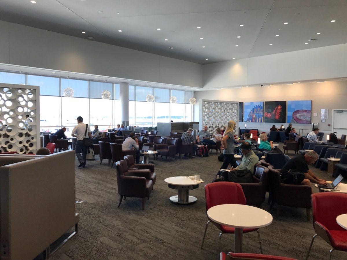 Delta Sky Club Atlanta B18 Sitzmöglichkeiten 4