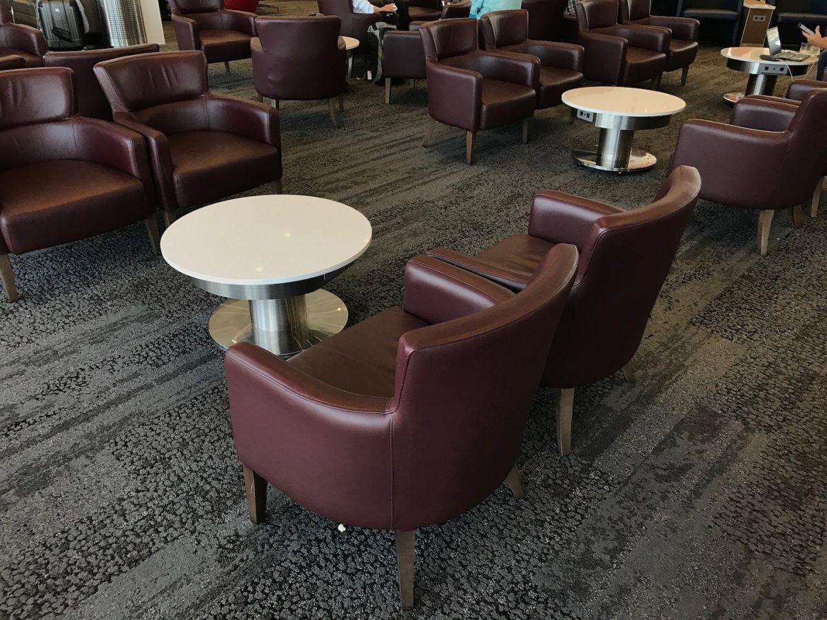 Delta Sky Club Atlanta B18 Sitzmöglichkeiten 8