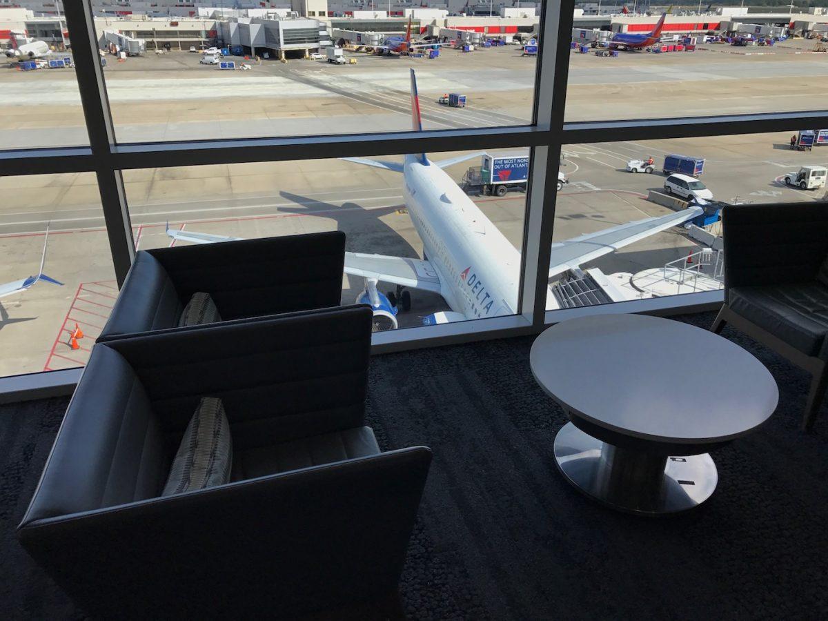 Delta Sky Club Atlanta B18 Sitzmöglichkeiten 9