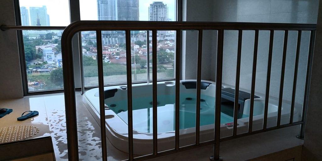 Double Tree Johor Bahru Jakuzzi Pool