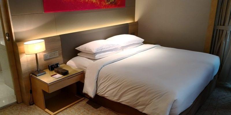 Double Tree Johor Bahru Zimmer Bett