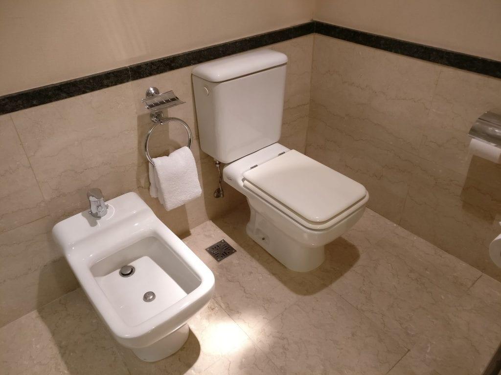 Hilton Buenos Aires Executive Junior Suite Bathroom 2