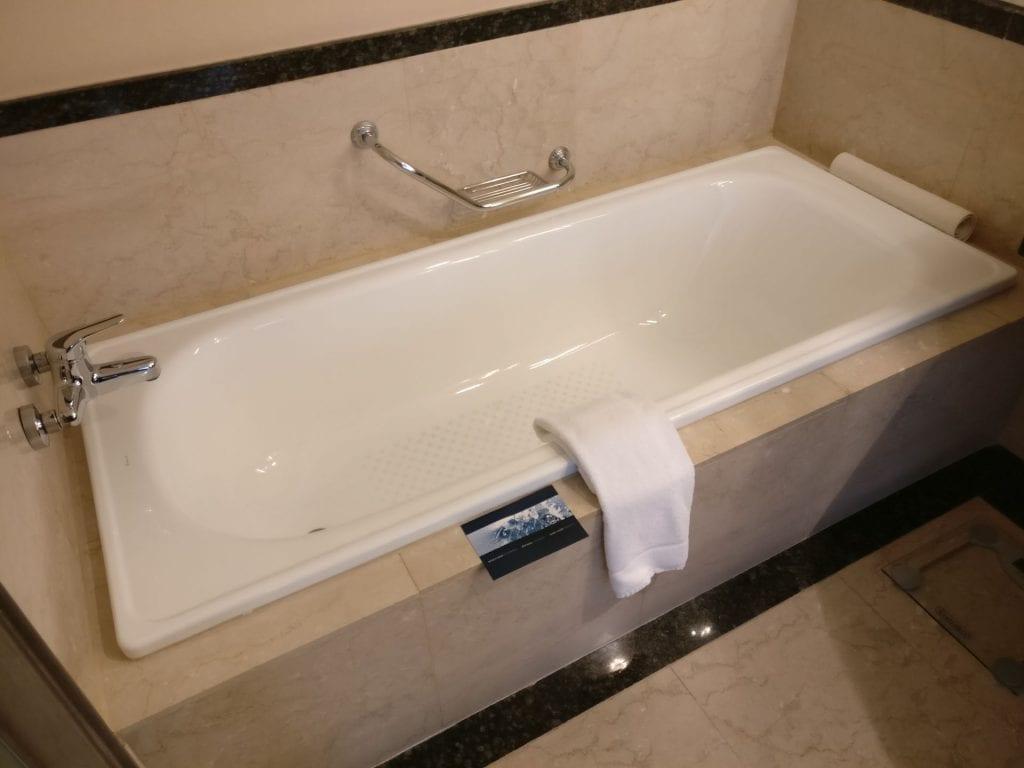Hilton Buenos Aires Executive Junior Suite Bathroom 3