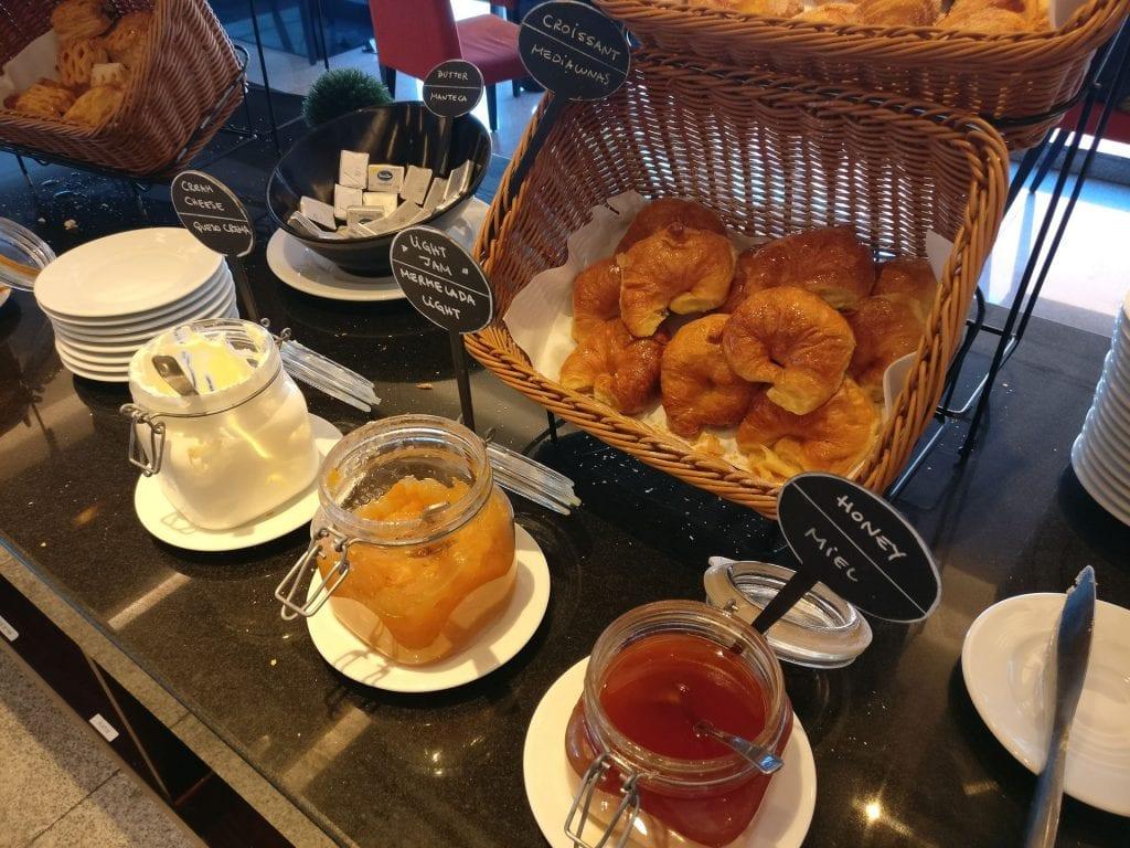 Hilton Garden Inn Montevideo Breakfast 6