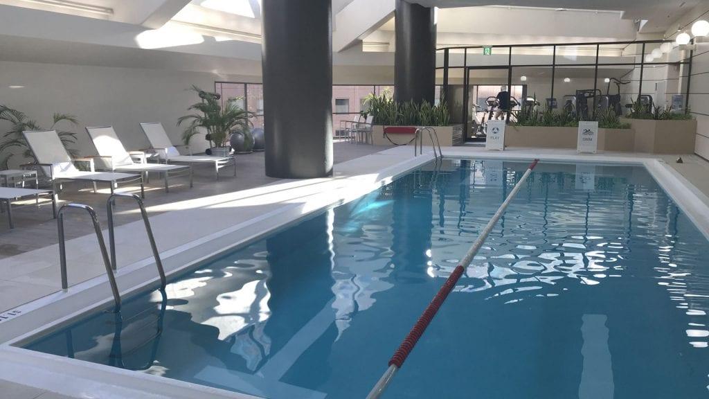 Hilton tokyo pool