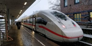 ICE 4 Winter Bahn Zug Schnee