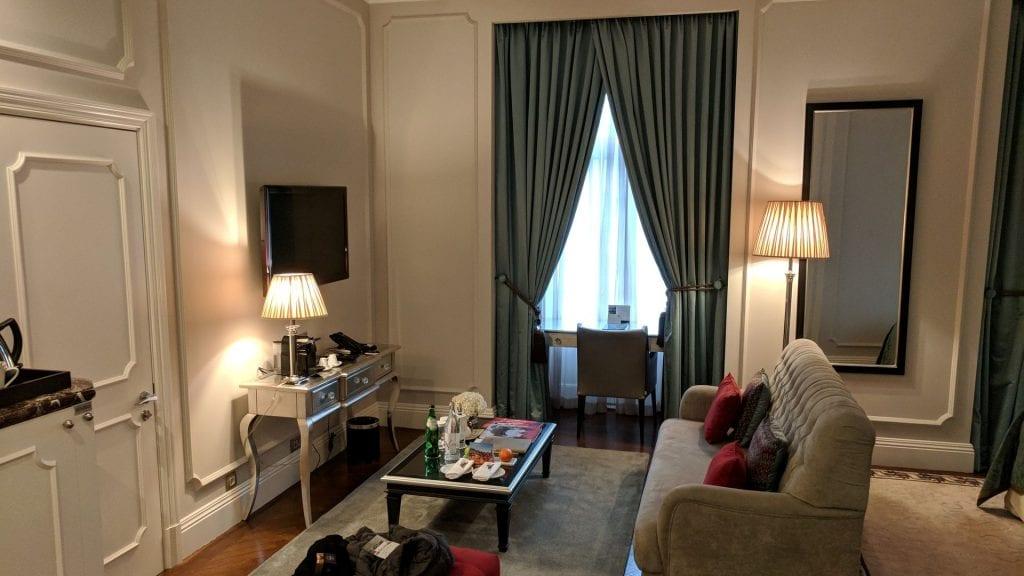 InterContinental Porto Junior Suite Wohnbereich