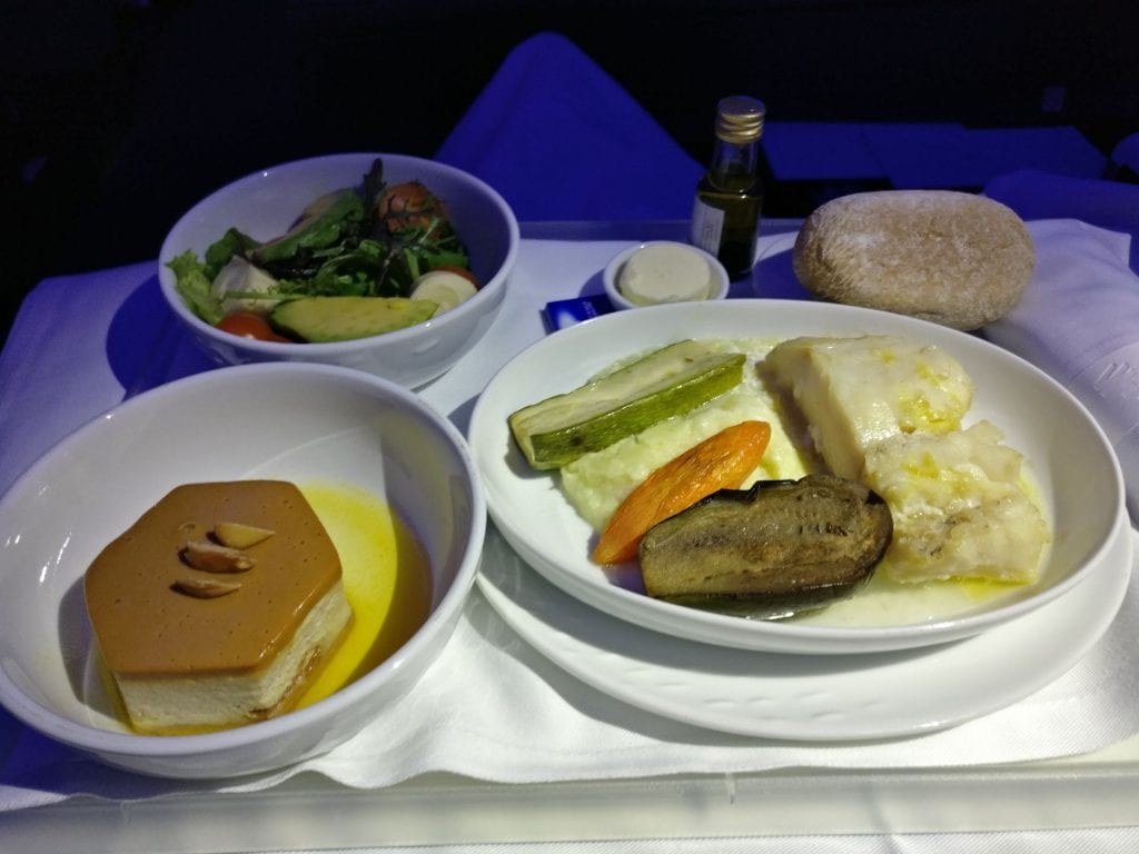 LATAM Business Class Boeing 787 9 Dinner 2