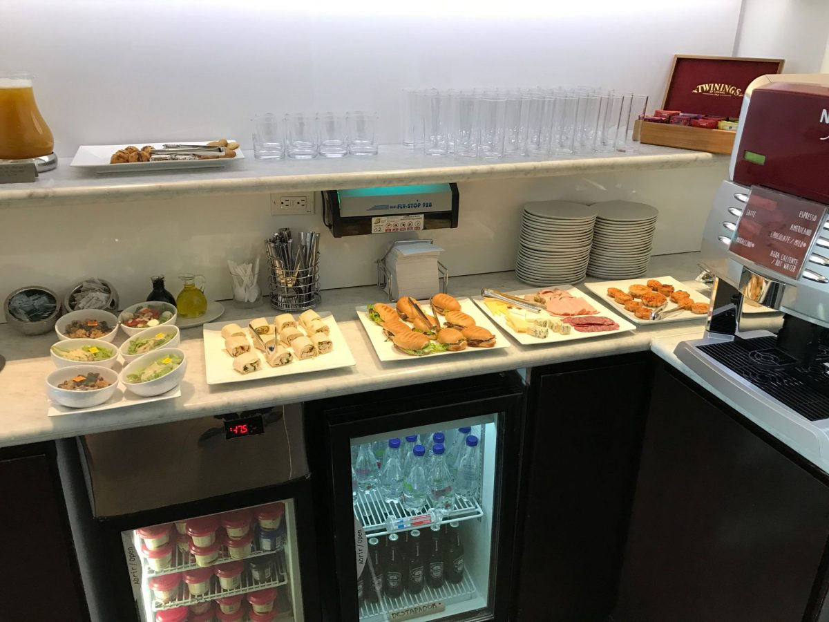 Latam Lounge Bogota Buffet 4