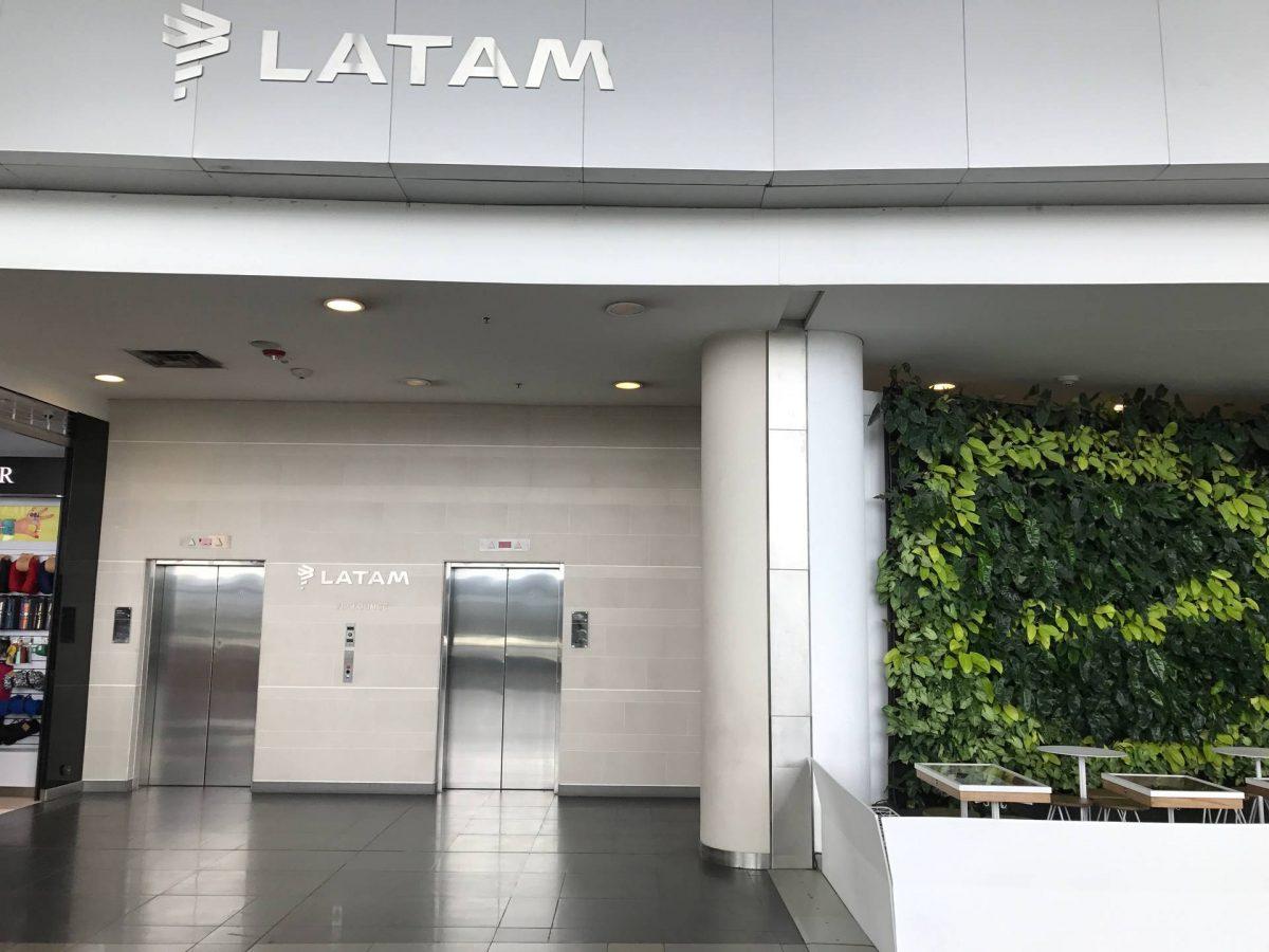 Latam Lounge Bogota Eingang