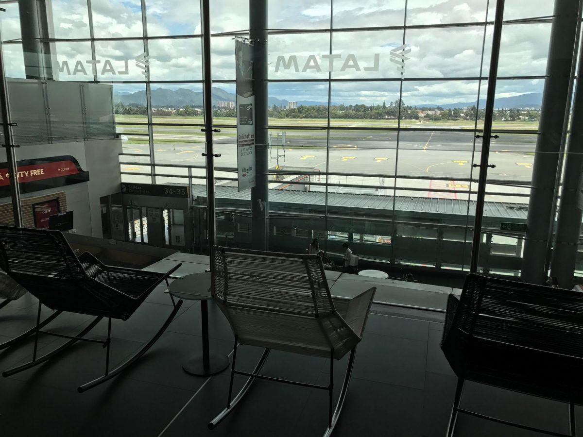 Latam Lounge Bogota Sitzgelegenheiten