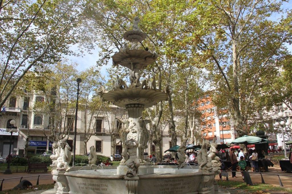 Montevideo Plaza Constitución